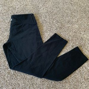 Thick comfortable black leggings!